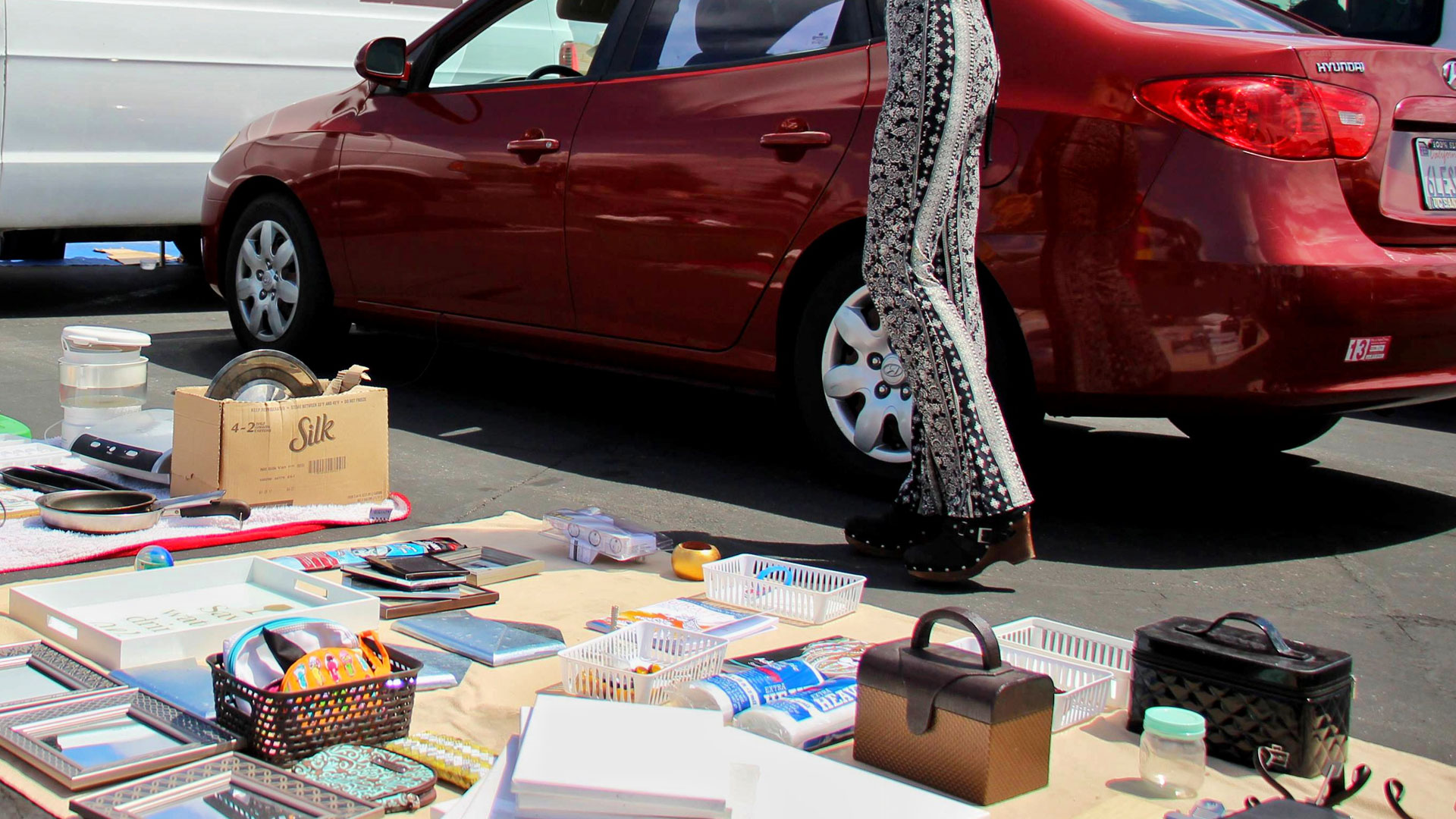 Decluttering Your Home: How to sell your stuff at a flea market